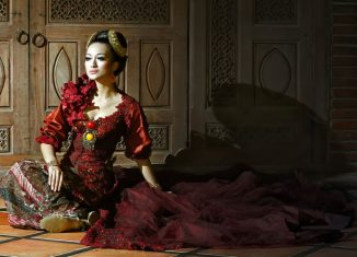 All-About-Kebaya-Indonesias-Traditional-Formal-Wear-for-Women-Sundanese-Kebaya