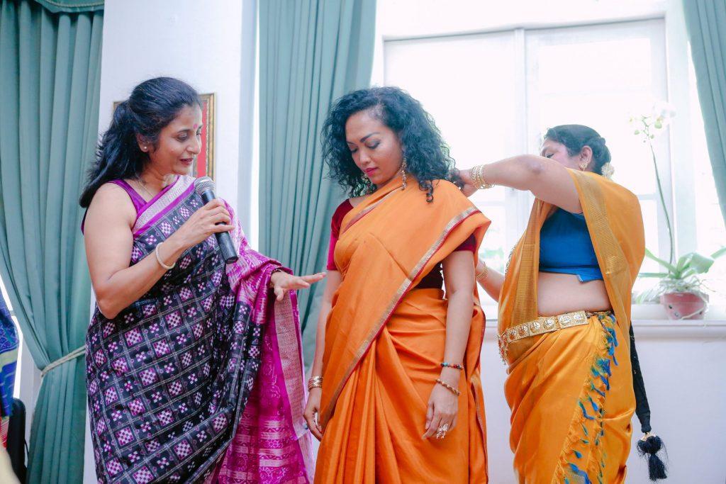 Shanthi demonstrating the Nivi Drape