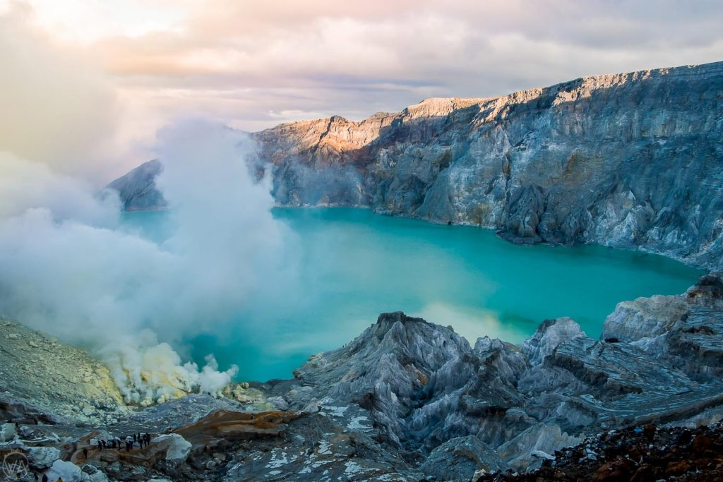 Travel-Destination-Banyuwang-Kawah-Ijen