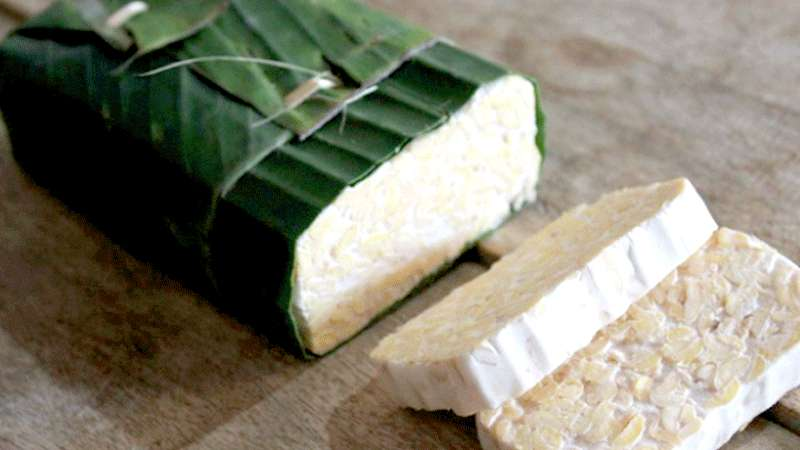Tempe wrapped in Banana leaf sold in pasar