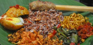 7-Traditional-Bali-Dishes-You-Must-Try-Nasi-Jenggo