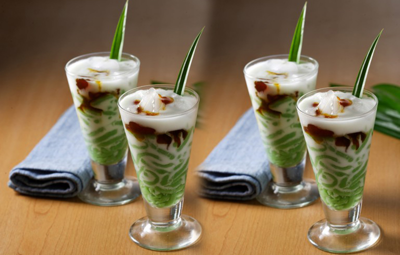 Indonesian Sweet and Refreshing Cendol Recipe