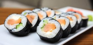 How-to-Make-Salmon-Sushi