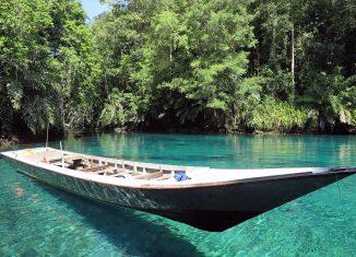 6-Places-you-Must-Visit-in-East-Kalimantan-Pulau-Derawan
