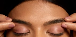 Ancient-Ayurvedic-Treatment-What-it-is-Benefits-and-How-To-Do-Eyebrow-pinching