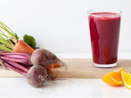 Carrot and Beetroot Smoothie for Under Eye Dark Circles
