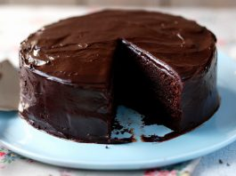 Easy Chocolate Cake by Arti Gidwani