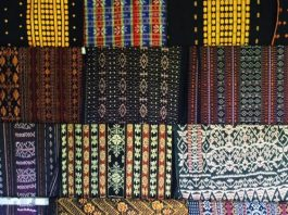 39-Traditional-Fabrics-of-Flores