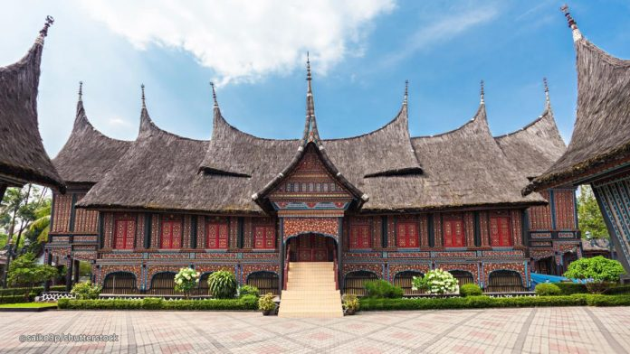8-Iconic-Natural-Attractions-In-and-Around-Jakarta-Taman-Mini-Indonesia-Indah