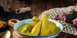 A-Taste-of-Lebaran-Food-in-Indonesia-Opor