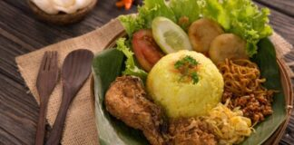 8 Delicious Rice Dishes In Indonesia: Nasi Kuning